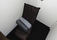 新品の座椅子とブランケットも備え付けてあります(´∀`*)ノ