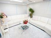 在籍されてる女性が撮影したり☆休憩されたりリフレッシュする空間です。白を基調とした清潔感ある部屋・奥にはドレッサーエリア有    コーヒーサーバ!ウォーターサーバーも設置