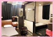 綺麗で広いお部屋で完全個室待機♪ストレスフリーです♪